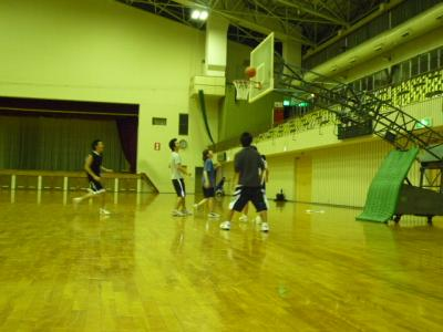 県立体育館でバスケ2