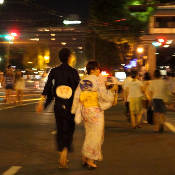 熊本市役所前 火の国祭り 花火のあと 浴衣姿