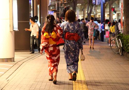 浴衣姿 火の国祭り 熊本市上通近く