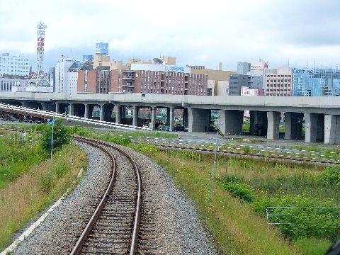 高架工事中の旭川駅