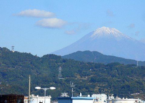 清水駅より望む富士山