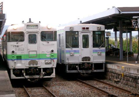 富良野線と釧路行き普通列車