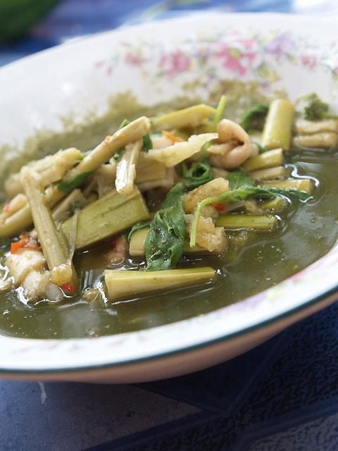 スルメ入り竹スープ