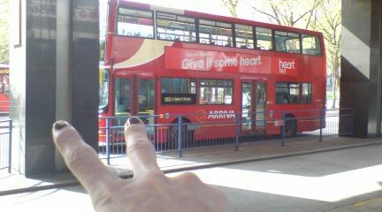赤いバスその1.