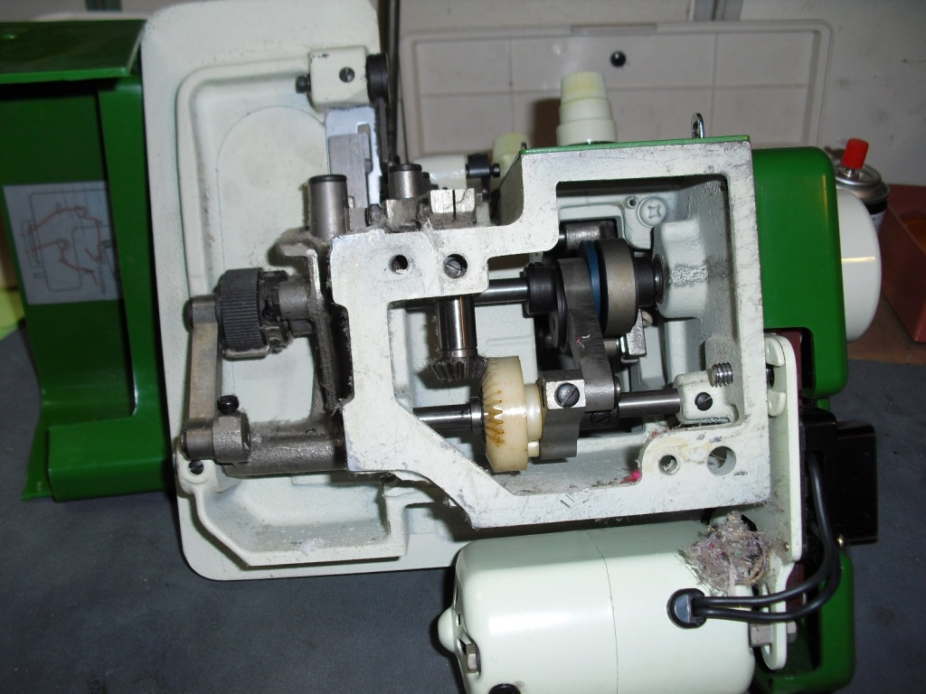 EF-205s-3_20110307231952.jpg