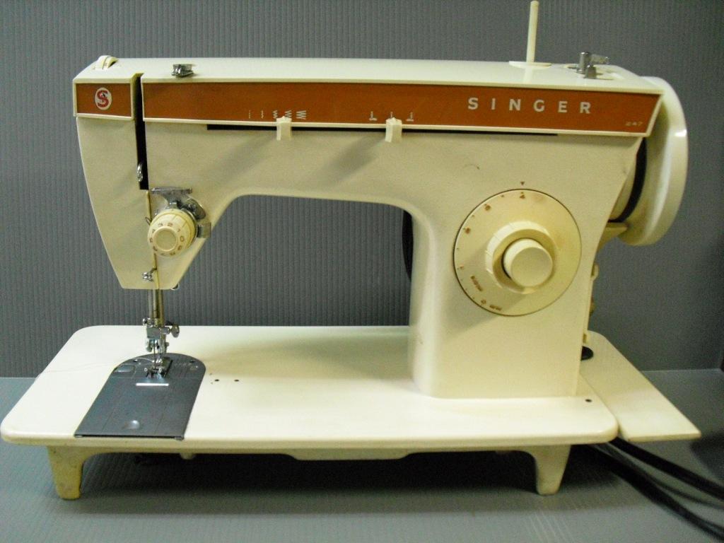 singer-247-1.jpg