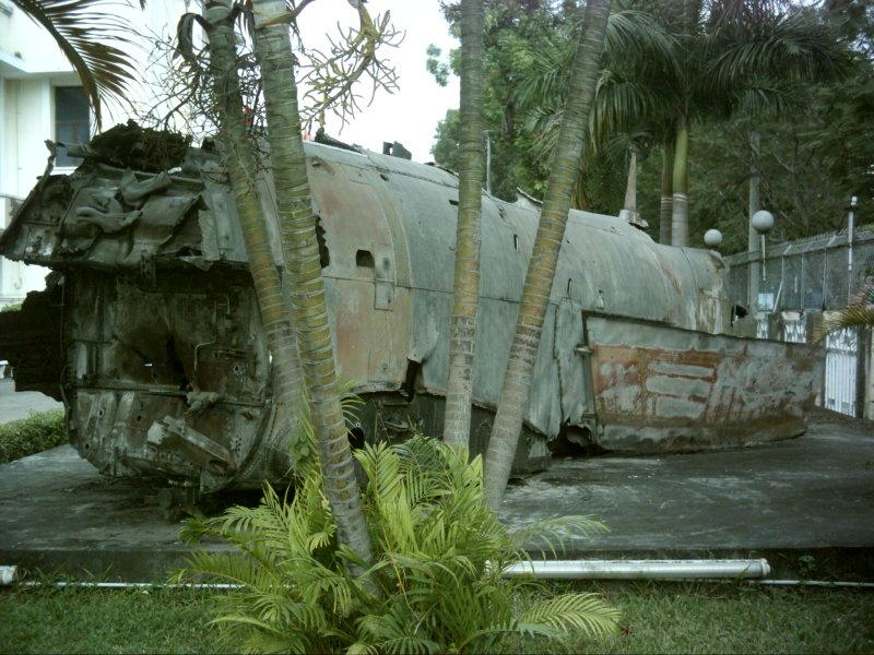 2010.1.3ベトナム戦闘機