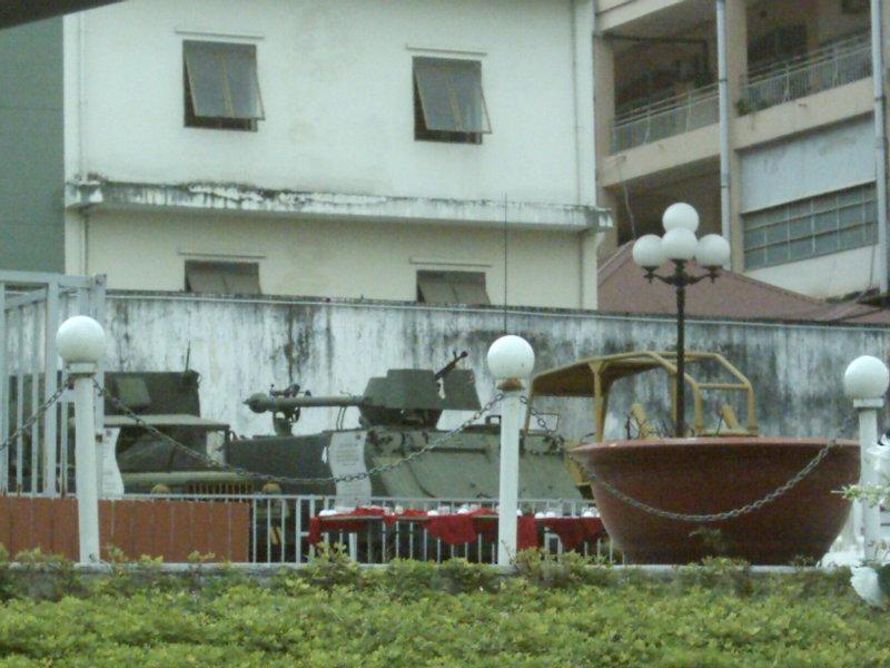 2010.1.3ベトナム戦車