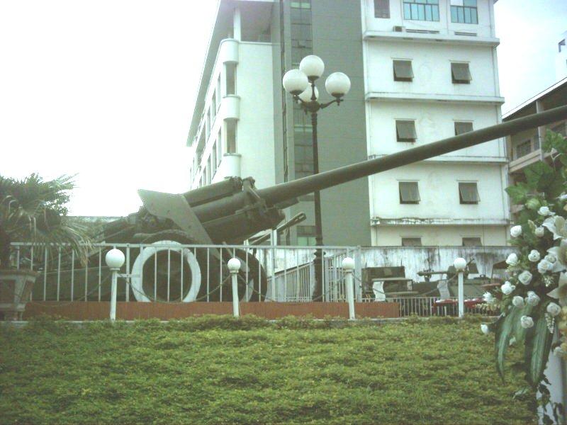 2010.1.3ベトナム砲台