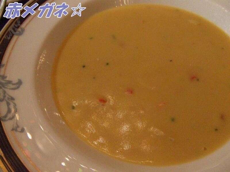 コーンクリームスープ 蟹肉 湯葉仕立て