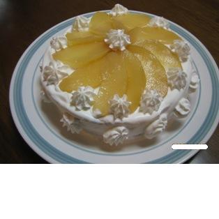 洋ナシのデコレーションケーキ