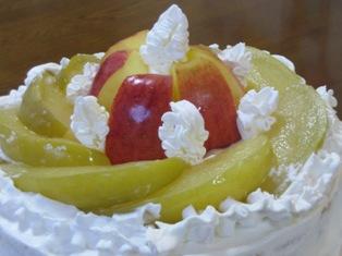 りんごのはちみつコンポートのデコレーションケーキ