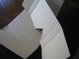 組み立て式のダンボール梱包