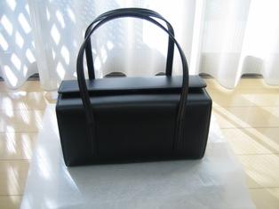 土屋鞄のバックの正面写真