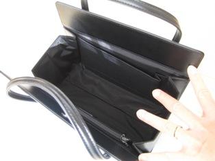 土屋鞄のバックの内側写真