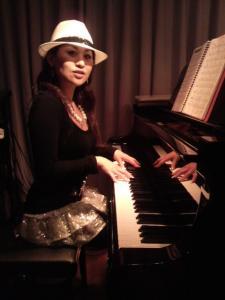 ピアノ HARU