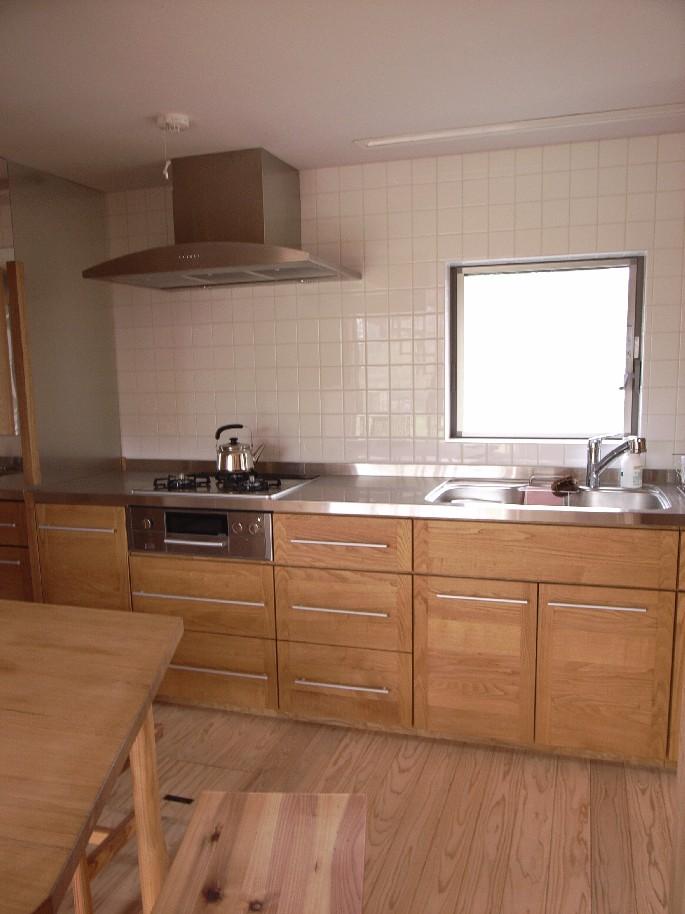 キッチン 木製キッチン : 本日は木製キッチンと木製建具 ...
