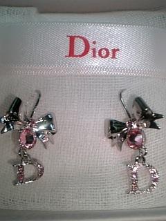 Diorピアス