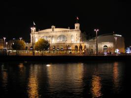 夜のチューリッヒ駅
