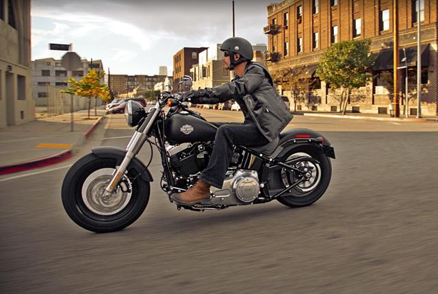ハーレーのニューモデル! Fls ソフテイル スリム バイクライター青木タカオの取材日記 W1saと