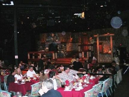 dinnertheater3a.jpg