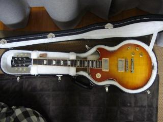 Gibson 60S LesPaul Standard Light Burst 02