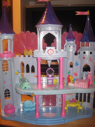 dollcastle101003.jpg