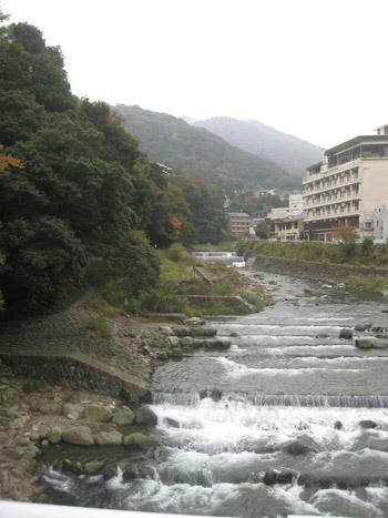 hakoneyumoto101114.jpg