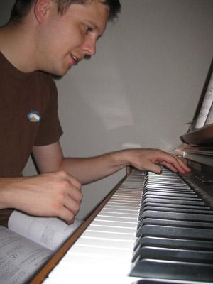 piano100912.jpg