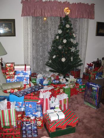 presents101127.jpg