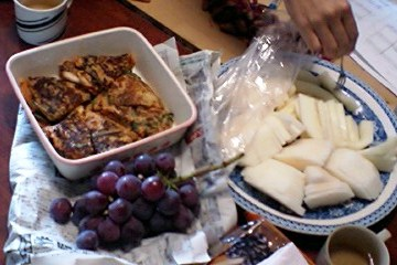 チヂミと葡萄とマクワウリ