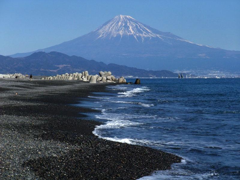 三保海岸と富士山 100124-2