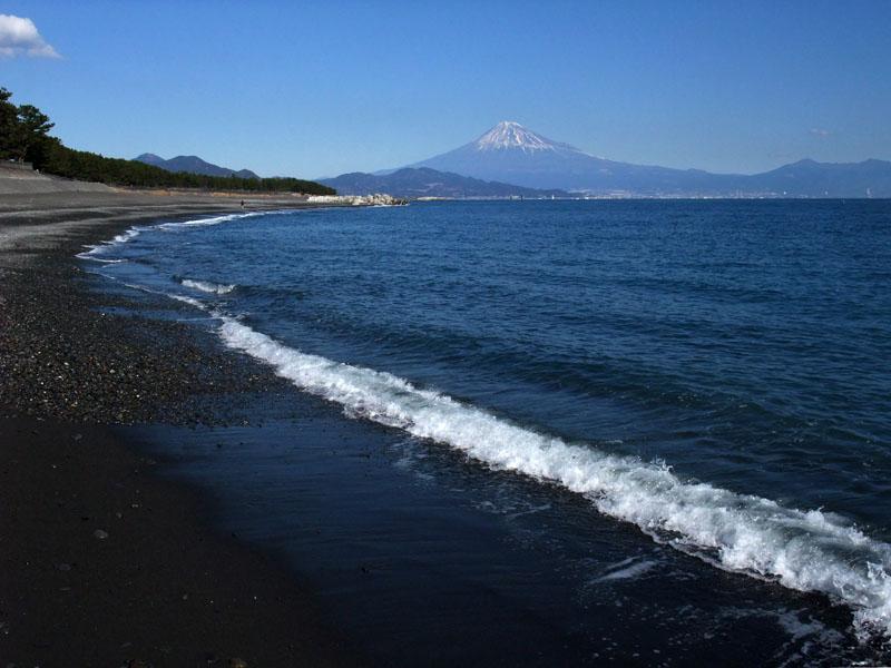 三保海岸と富士山 100124-1