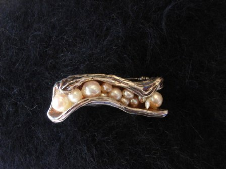 真珠のブローチ 002