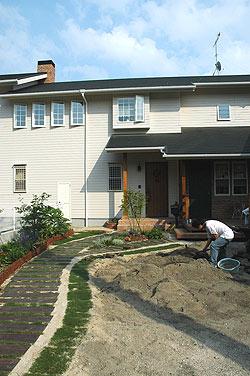 土の掘り起こし