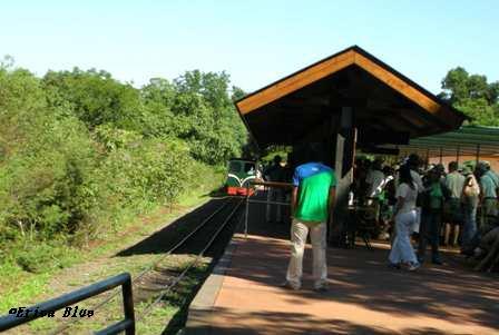 滝に向かう駅