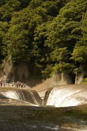 吹きわれの滝3