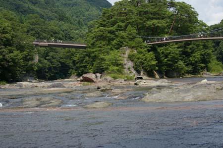 吹き割れの滝4