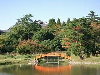大乗院庭園から見た奈良ホテル