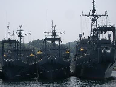 横須賀・・・海洋観測艦「わかさ」「ふたみ」「にちなん」