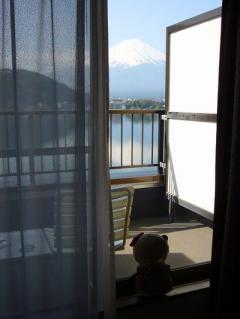 部屋からガッツリ見える富士山