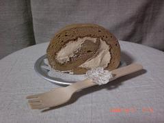モカロールケーキ15
