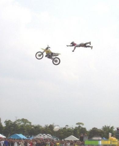 ジャンプ、ジャンプ、ジャンプ!!