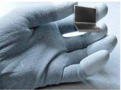 最小形ノートパソコン