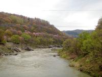 神居古潭 kamuy-kotan 奇妙な岩が多く流れが激しい