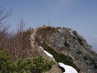 富良野西岳 7富良野西岳頂手前 標識が見える