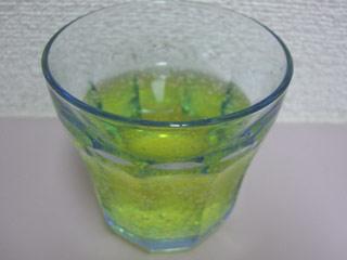 コップが青いのでわかりづら~・・・ 青いのかと思ったら黄色デスタ