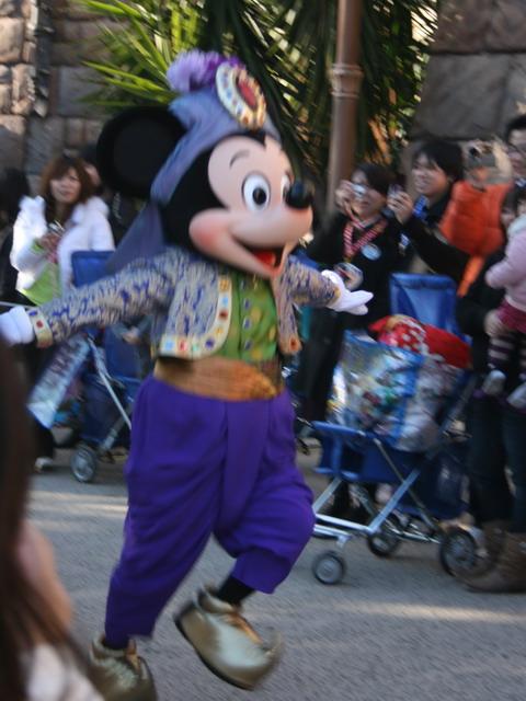 走るミッキー2