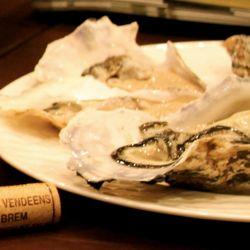 ニコラ 生牡蛎