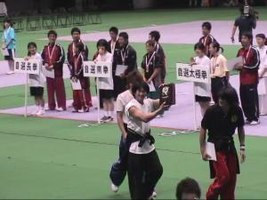 全日本武術太極拳競技大会表彰式で受賞される武藝団2